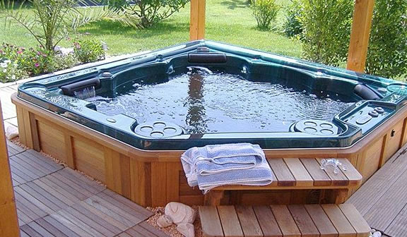 Hot Tubs in Ontario